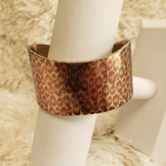 💕4/$20 Jewelry 💕Monet chunky cuff